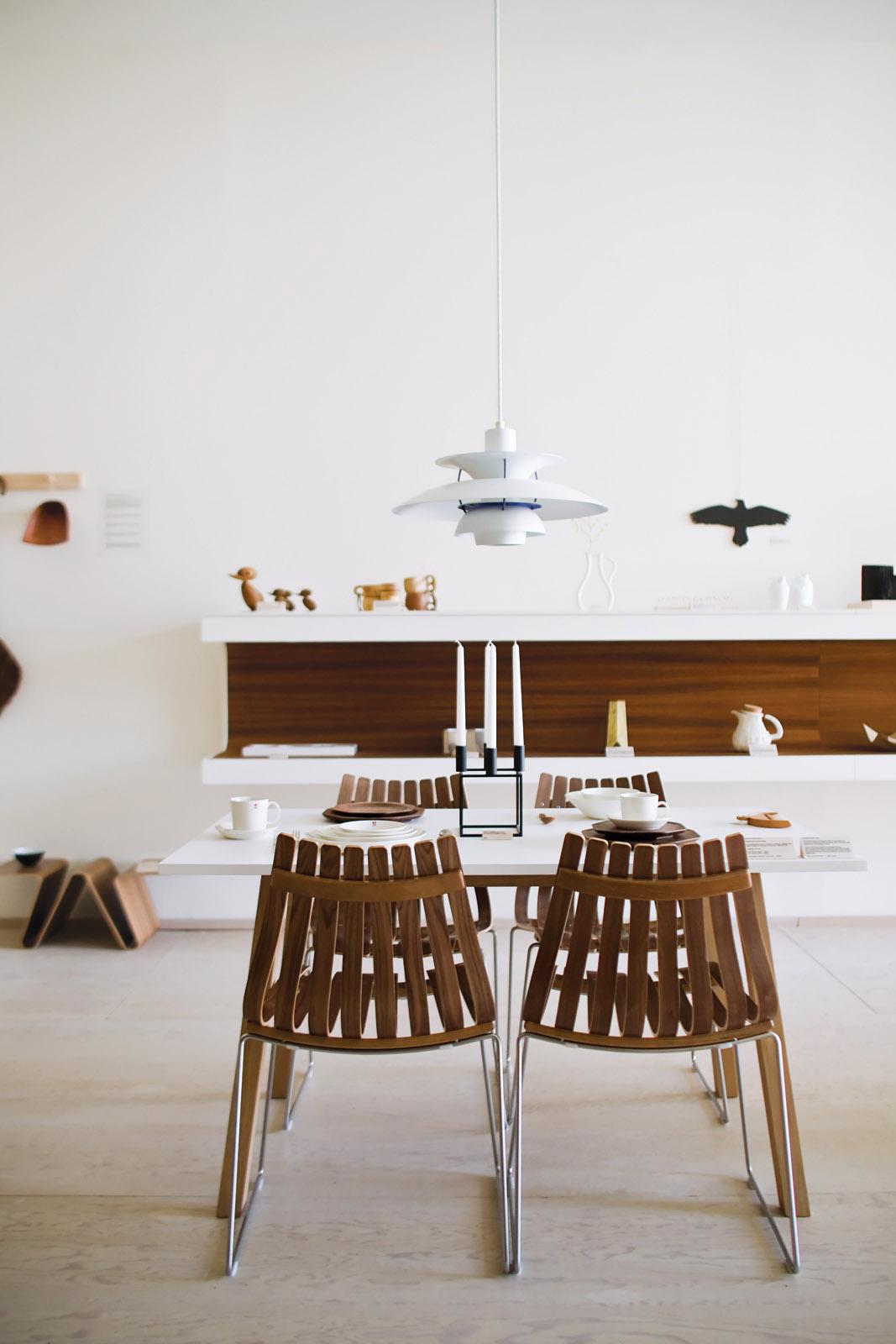 got-mjolk-dining-room-set-up