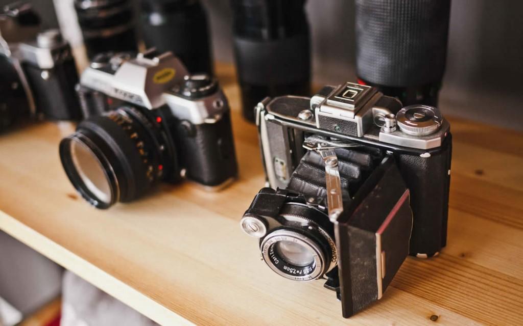 photographer-analog-camera-cameras-teleobjective
